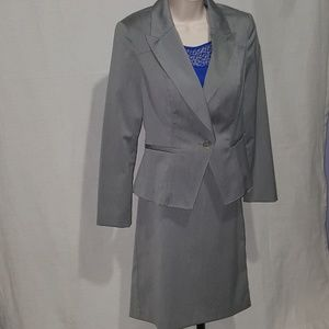 Worthington grey dress suit